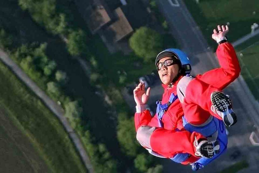 The best career advice for millennials: the 2-year parachute